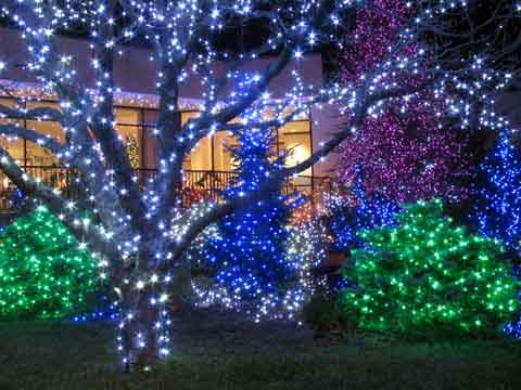 Farmers Branch Holiday Tour of Lights - Christmas Lights Around Dallas We Buy Ugly Houses®